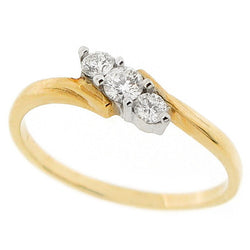 Diamond three stone twist ring in 9ct gold, 0.20ct