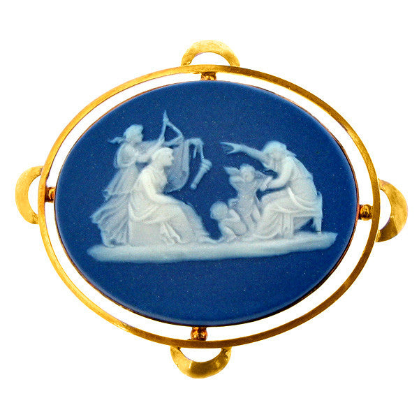 Brooch - Wedgwood design Victorian brooch in 9ct yellow gold.  - PA Jewellery