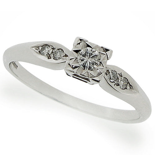 Diamond ring with diamond set shoulders in 9ct white gold, 0.15ct