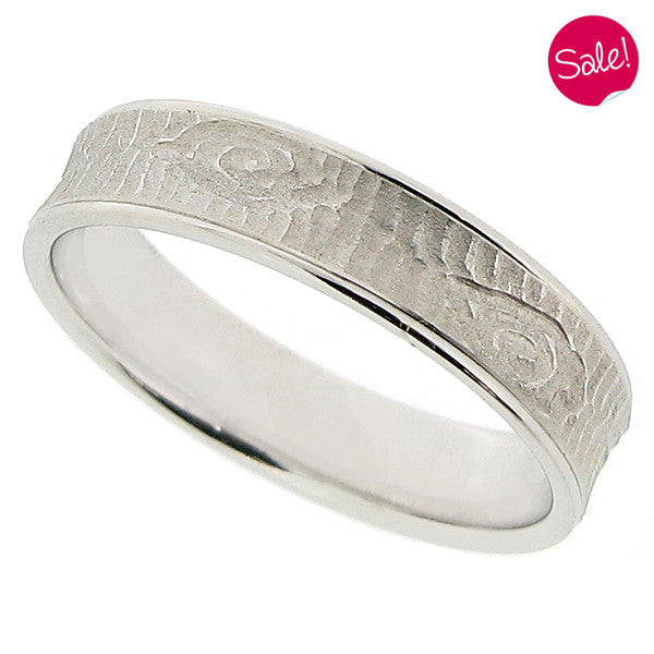 Textured band ring in 14ct white gold