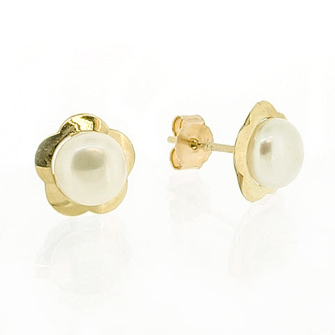 Freshwater pearl flower earrings in 9ct yellow gold