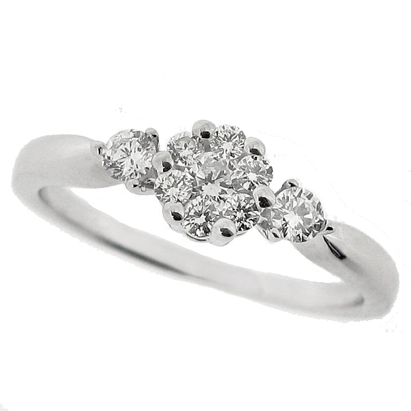 Diamond cluster ring in 9ct white gold, 0.30ct