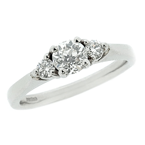 Diamond three stone ring in platinum, 0.46ct