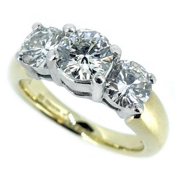 Brilliant cut diamond three stone ring in 18ct gold, 2.11ct