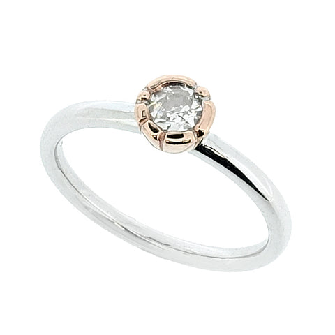 Old-cut diamond solitaire in 18ct white and rose gold, 0.24ct