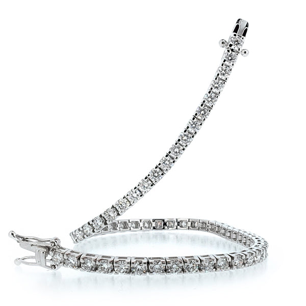 Diamond tennis bracelet in 18ct white gold, 4.50ct
