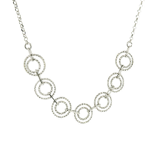 Sparkling circle necklace in silver