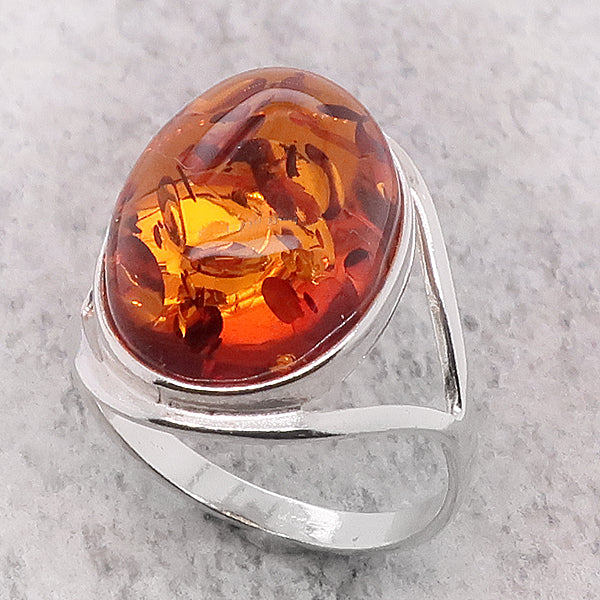 Amber split shoulder ring in silver