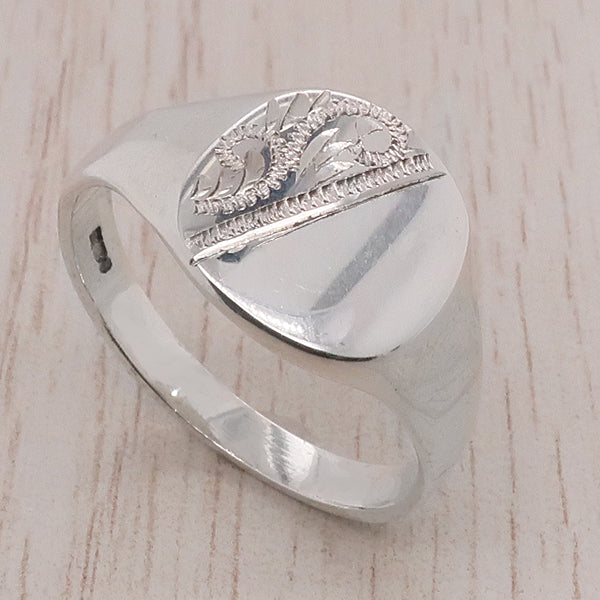 Partially engraved cushion shape signet ring in silver