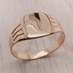 Cushion shape grooved signet ring in 9ct gold