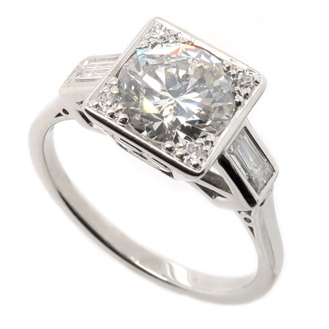 Edwardian cut and baguette cut diamond ring in platinum, 1.63ct