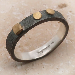 Square and dots ring in silver with gold