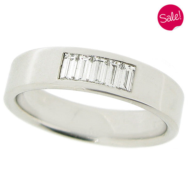 Diamond set band ring in platinum, 0.30ct