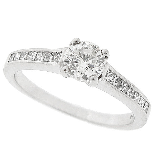 Diamond ring with diamond set shoulders in platinum, 0.82ct