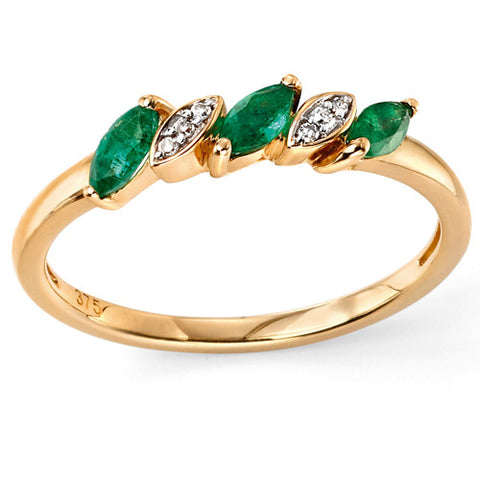 Emerald and diamond ring in 9ct yellow gold