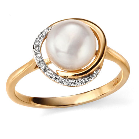 Freshwater pearl and diamond ring in 9ct gold