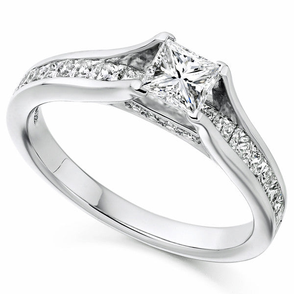 Ring - Princess and brilliant cut diamond ring in platinum, 1.08ct.  - PA Jewellery