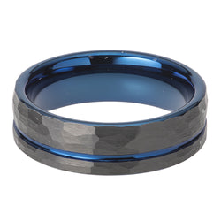 Hammered finish ring in tungsten carbide with black and blue IP plating