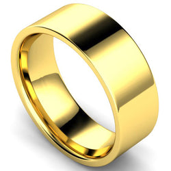 Edged flat court profile wedding ring in yellow gold, 8mm width