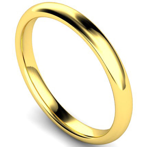 Edged traditional court profile wedding ring in yellow gold, 2.5mm width
