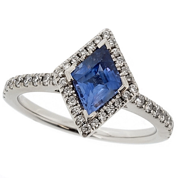 Sapphire and diamond kite-shaped halo cluster ring in platinum