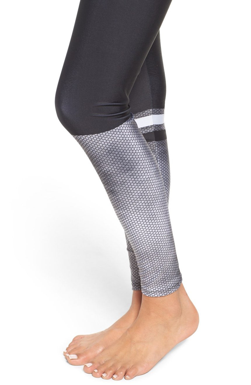 Onzie Graphic Legging Hex