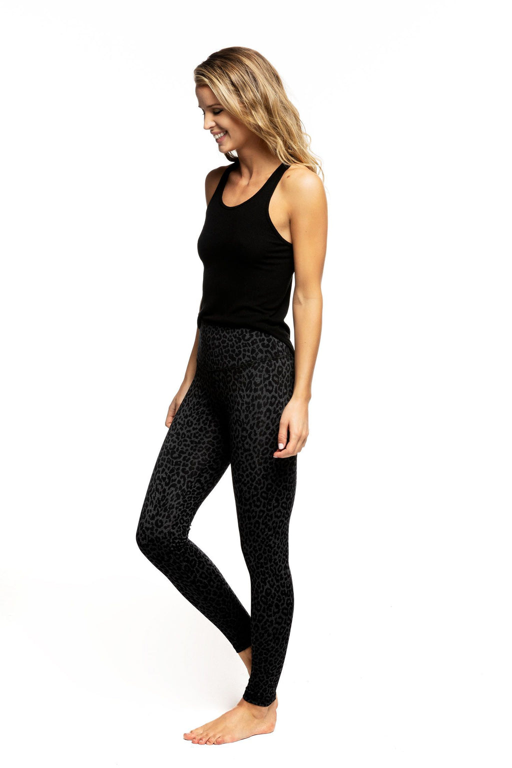 Strut This Teagan Ankle Legging Grey Leopard
