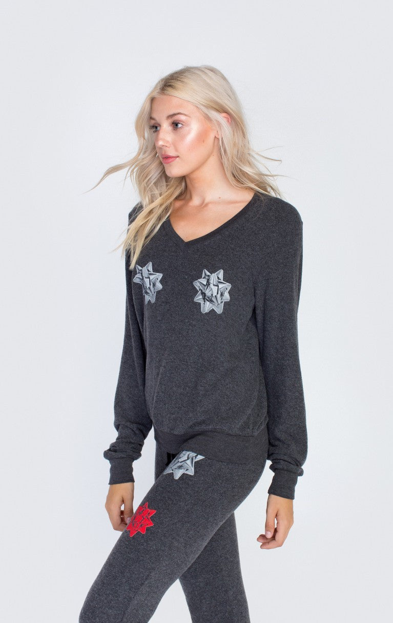 6225c5b4a8d1a6 Wildfox Wrapping Party Baggy Beach Sweater – Bliss Bandits