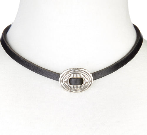 Brave Fantiv Leather Choker