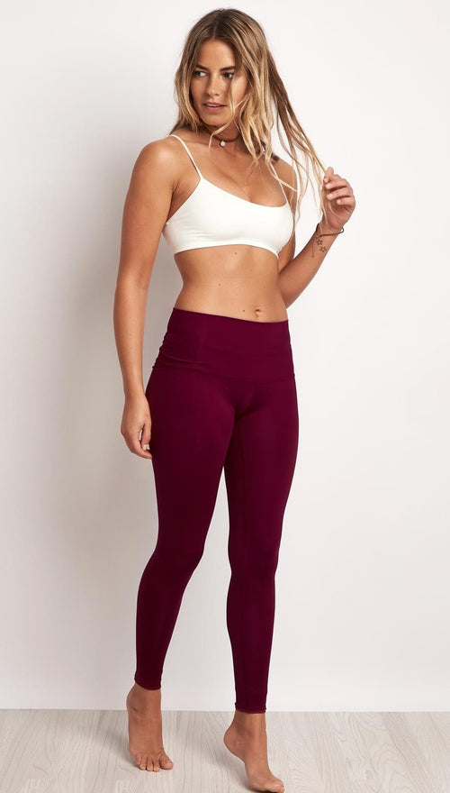 Teeki Solid Burgundy Hot Pant Leggings
