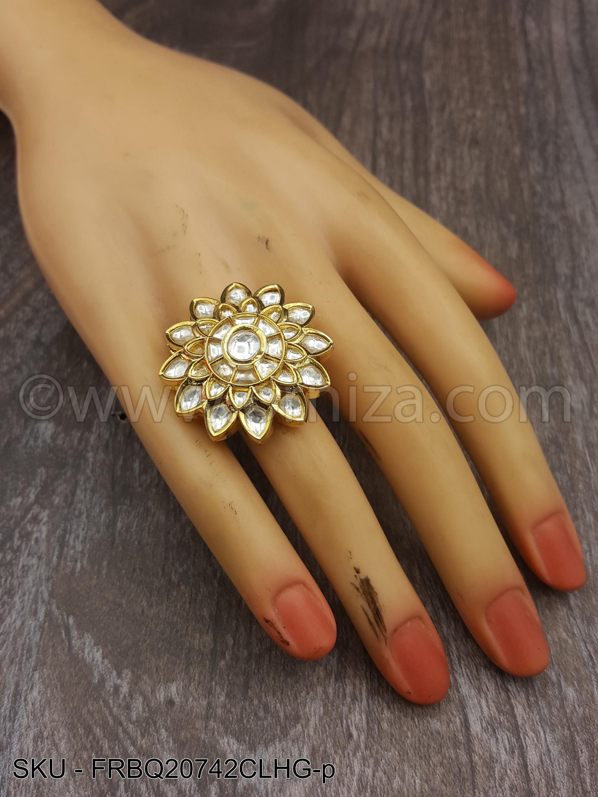White Boutique Designer Finger Ring