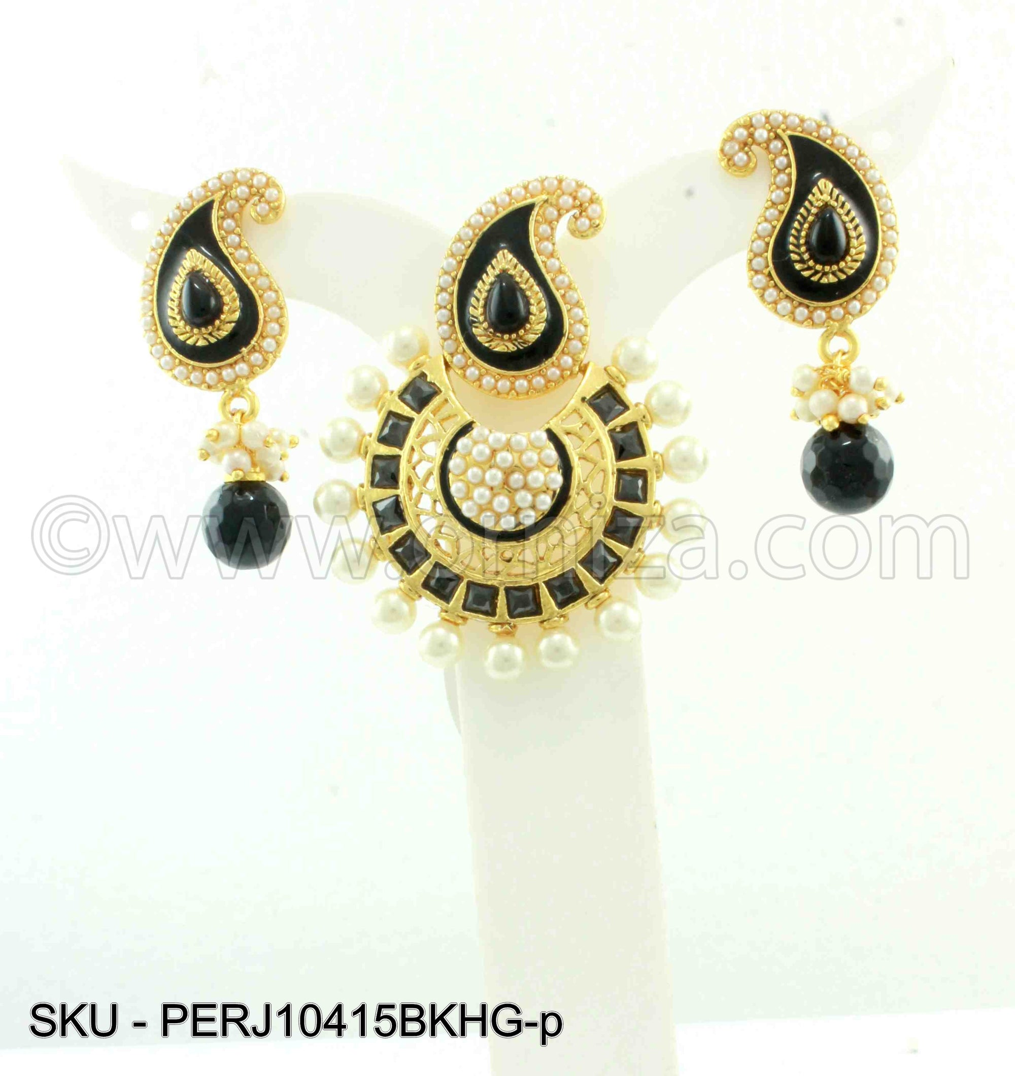 Black Traditional Rajwadi Pendant Set