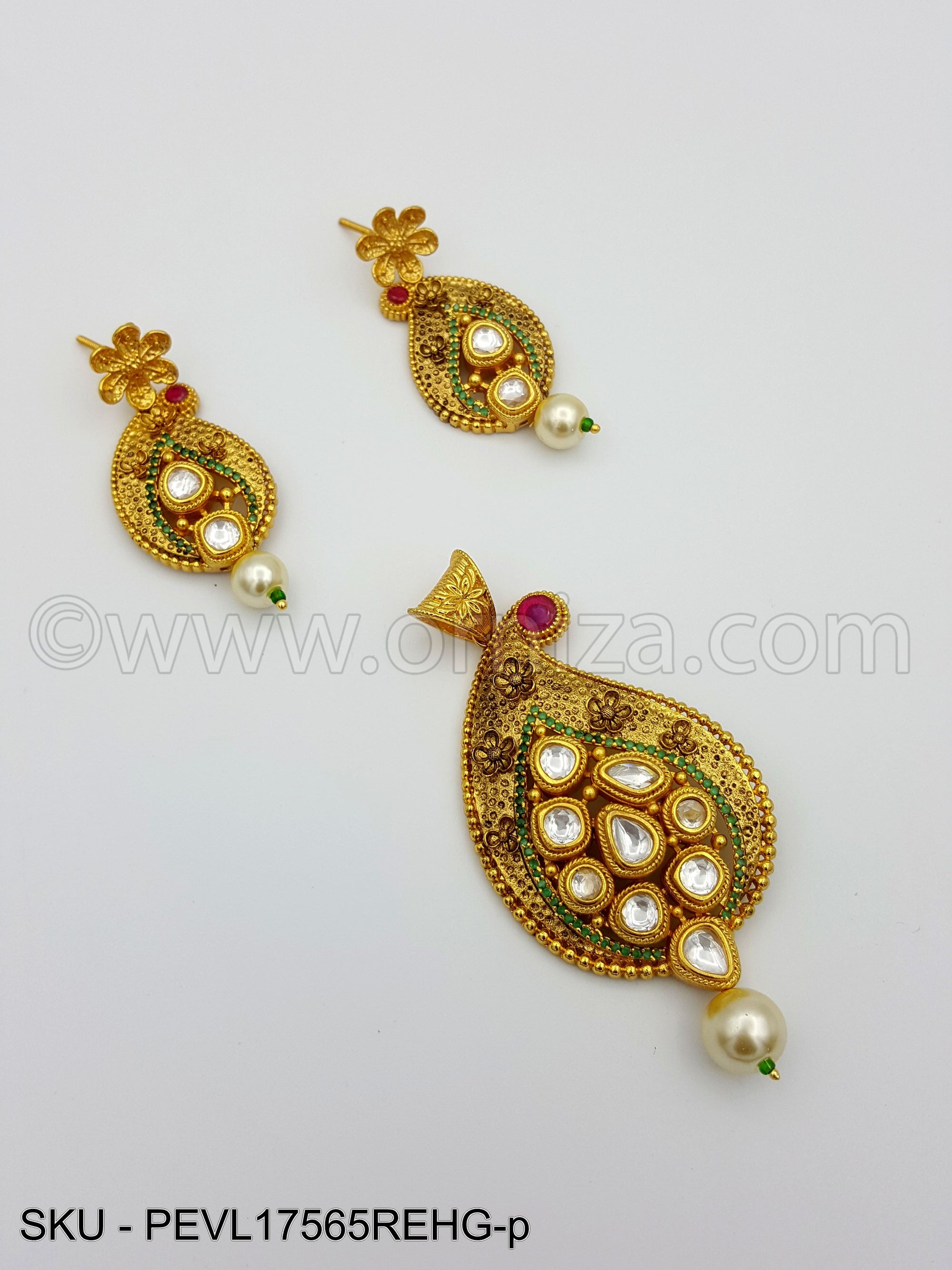 Red Green Vilandi Kundan Pendant Set