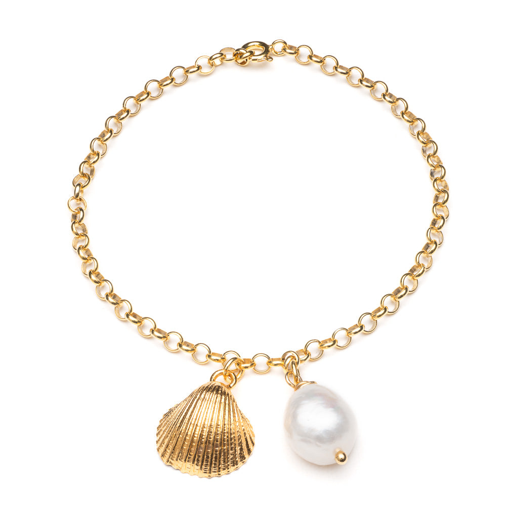 Clam and pearl bracelet