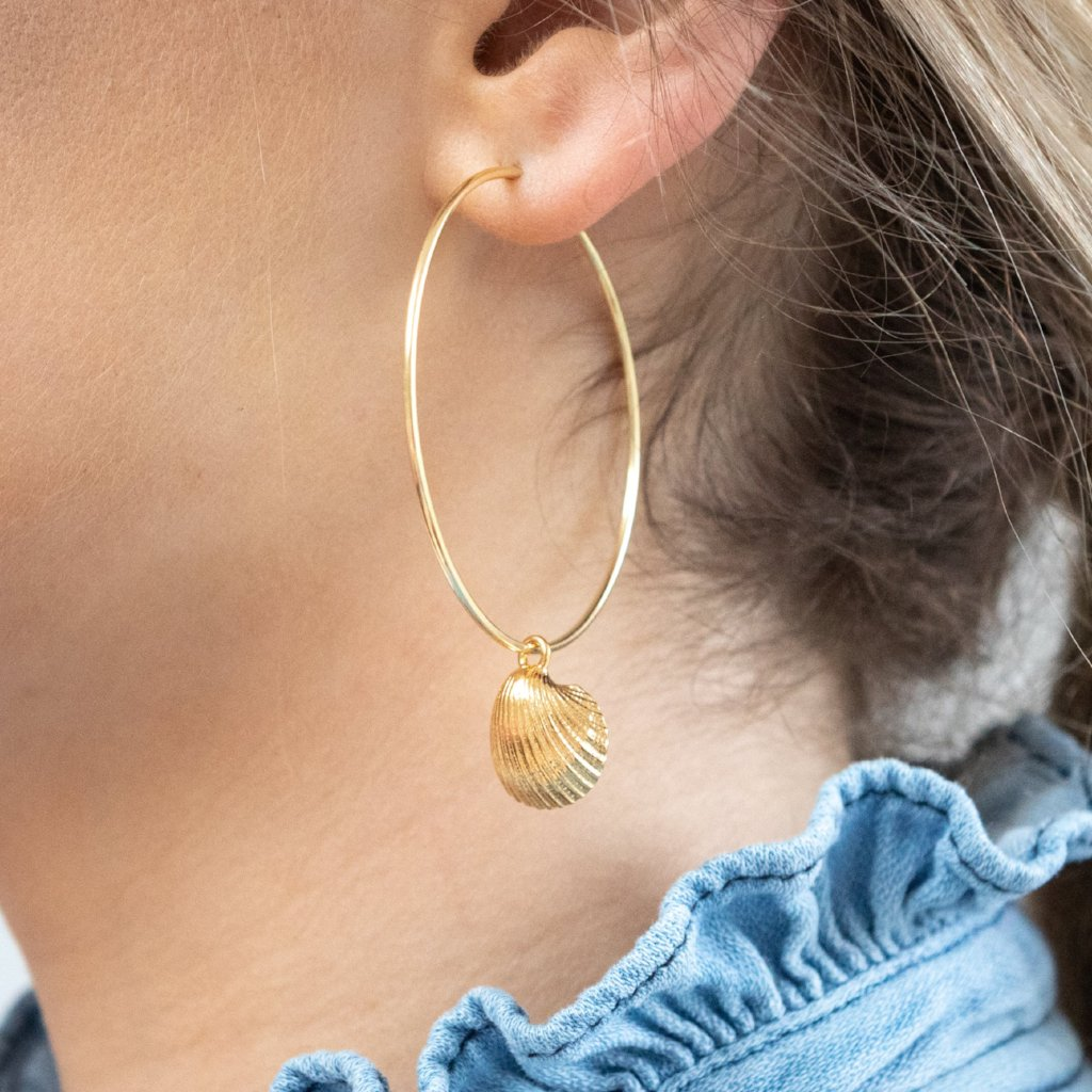 Clam shell hoop earrings