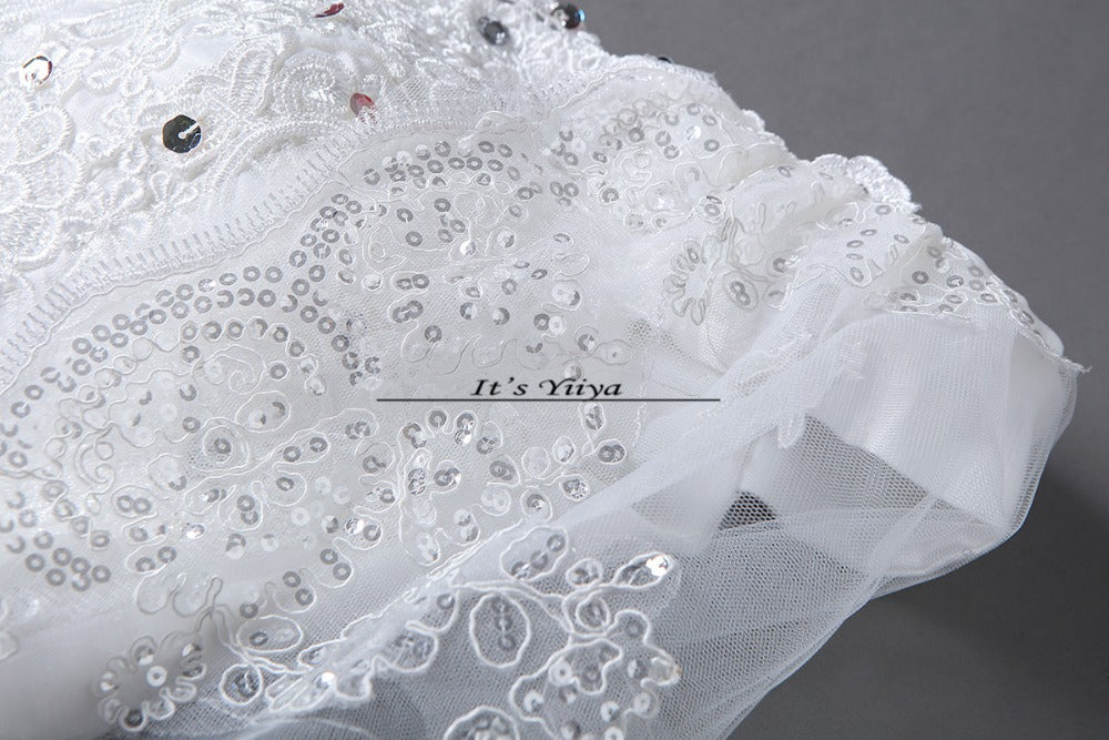 ... Free Shipping 2017 Short Sleeves Red White Lace Bling Wedding Dresses  Plus size Sequins Princess Bride ... 85f8f5eb3c6a