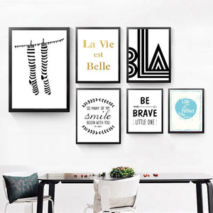 La Belle Smile English Quotes Canvas Art Print Painting Poster, Wall Picture for Home Decoration QS0035