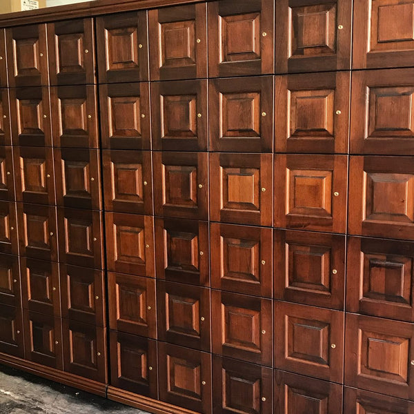 Cigar Lounge Humidor Lockers with Raised Panel Door