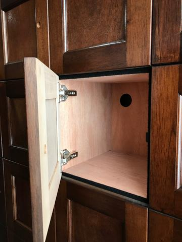 4 Unit Cigar Locker Unit with Humidifying Unit