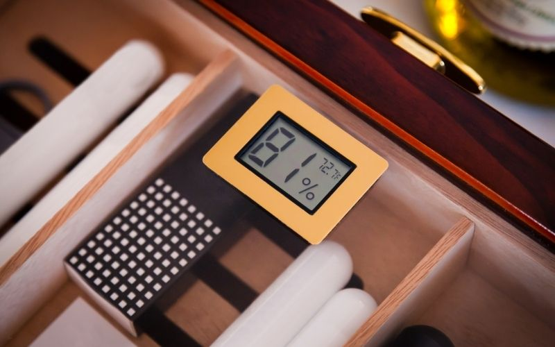 Wooden Cigar Humidor with hygrometer