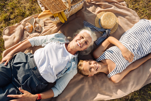 9 Helpful Tips for Reducing Stress and Anxiety in Seniors Using Essential Oils