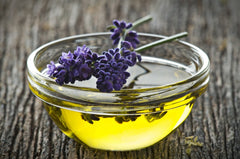 TOP 15 OF THE BEST ESSENTIAL OILS FOR HAIR GROWTH