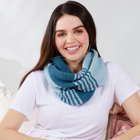 Frostie Stripes Cowl