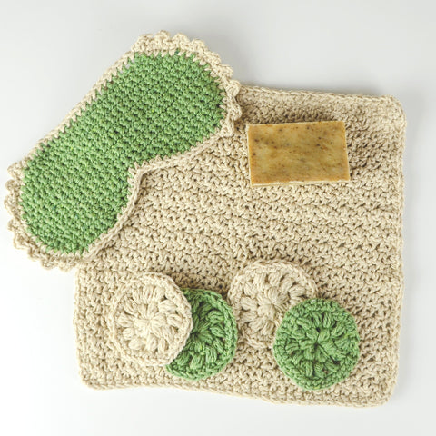 Apple Tartlet Throw - Holiday