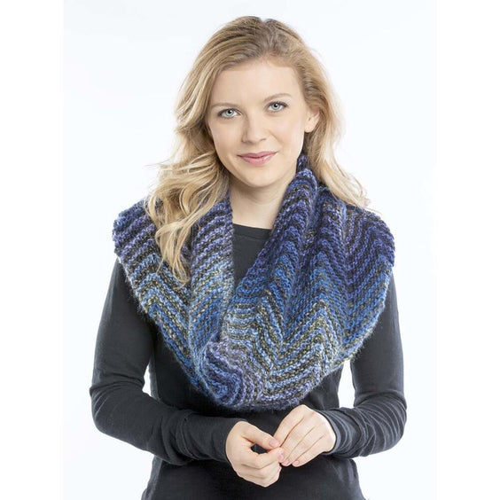Aurora Gradient Waves cowl knit with two balls of acrylic yarn. Free knitting pattern.
