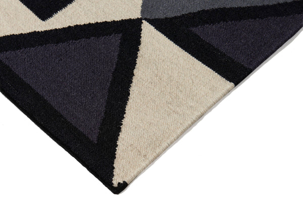 Aelfie Fiona flat-weave, graphic print rug, detail