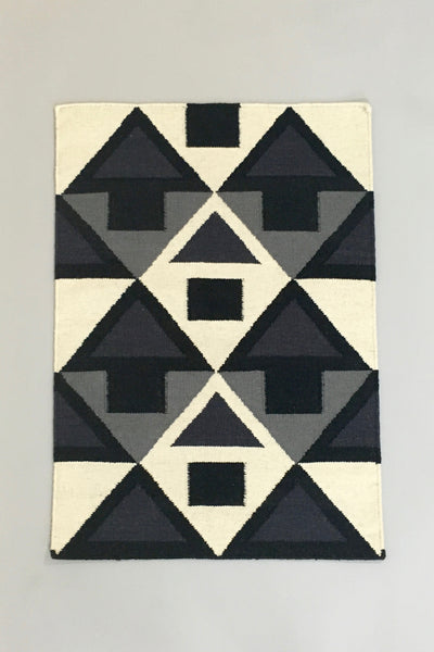Aelfie Fiona flat-weave, graphic print rug