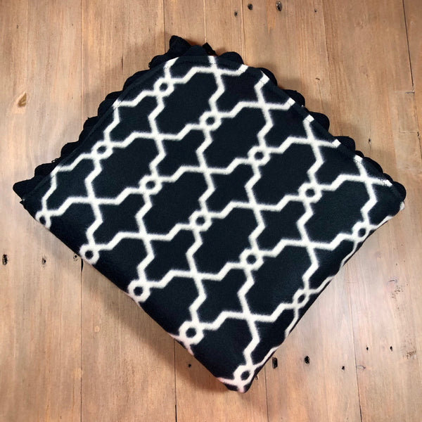 Black & Cream Geometric Throw