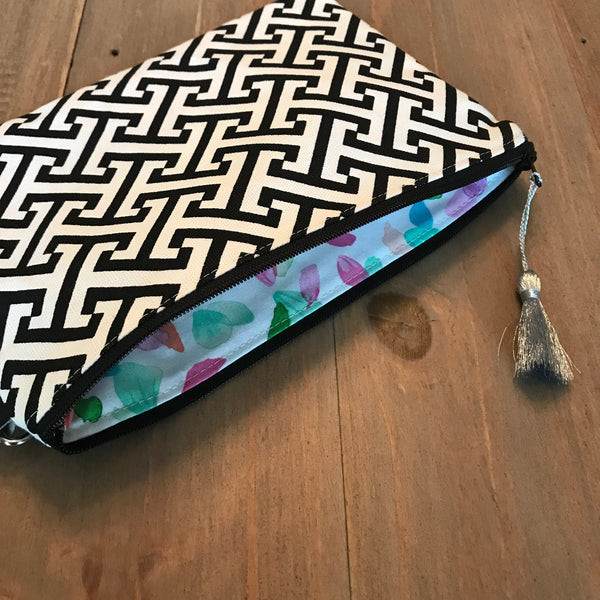 Black & White Geometric Wristlet