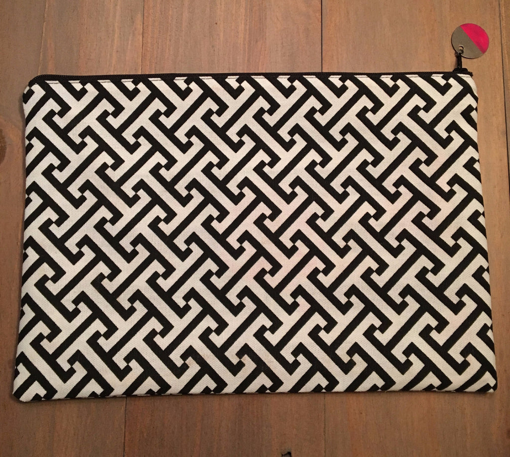 Black & White Geo Print Clutch